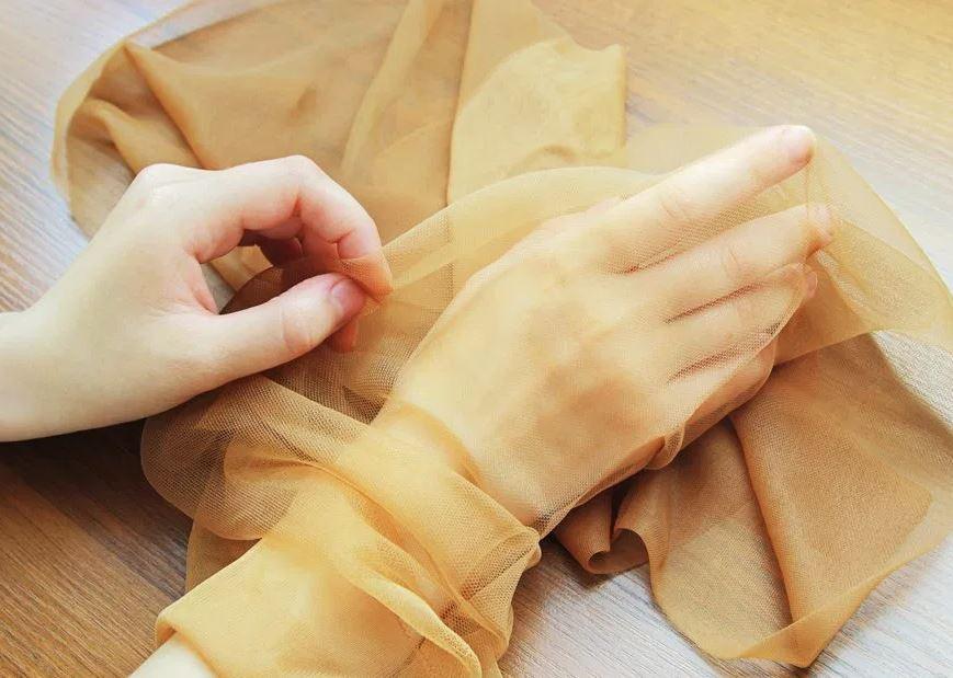 como quitar las pelusas de una manta nueva con medias