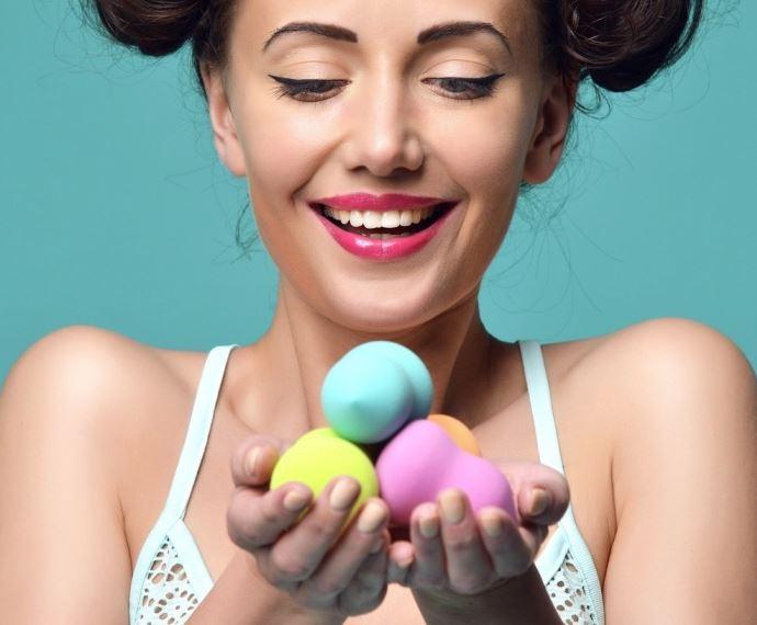 como se lavan las esponjas para maquillaje