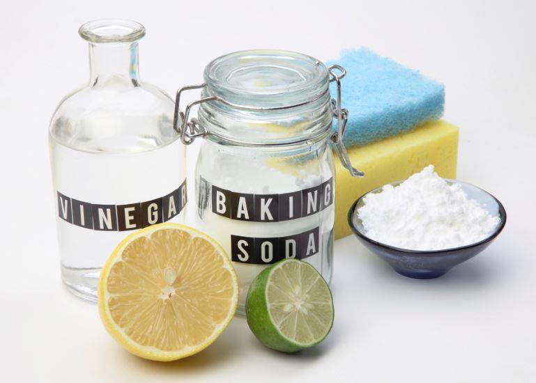 vinagre y bicarbonato de sodio para limpiar microondas