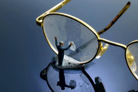 arreglar rayones en los cristales gafas