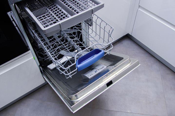 atasco en el desague del lavavajillas