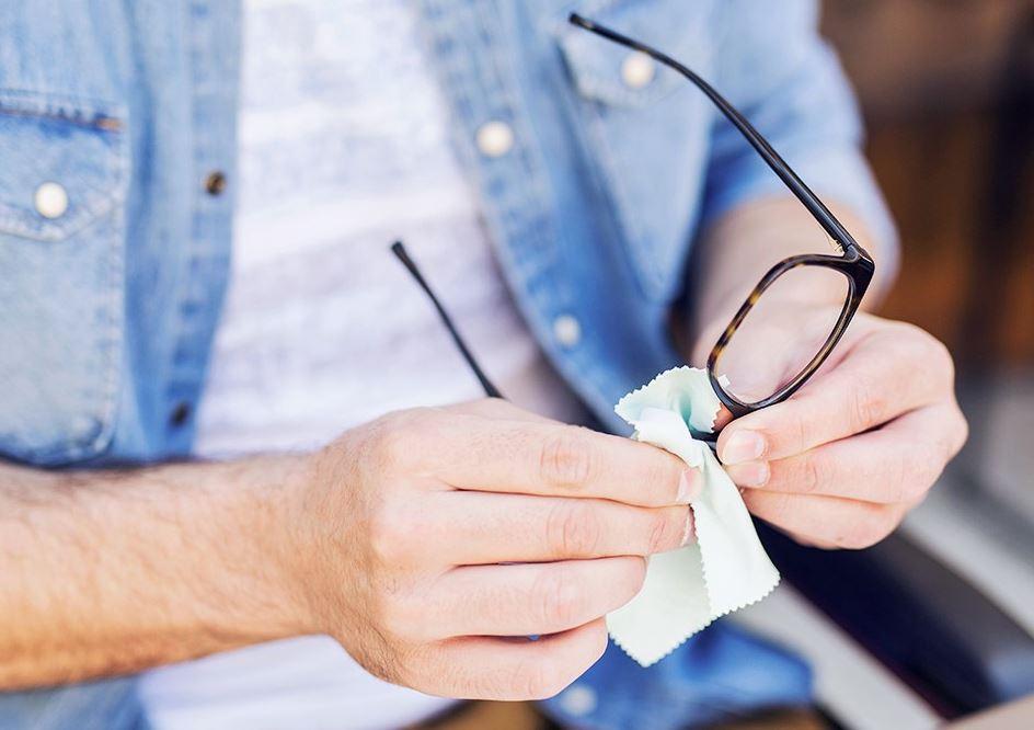 como arreglar unas gafas rayadas