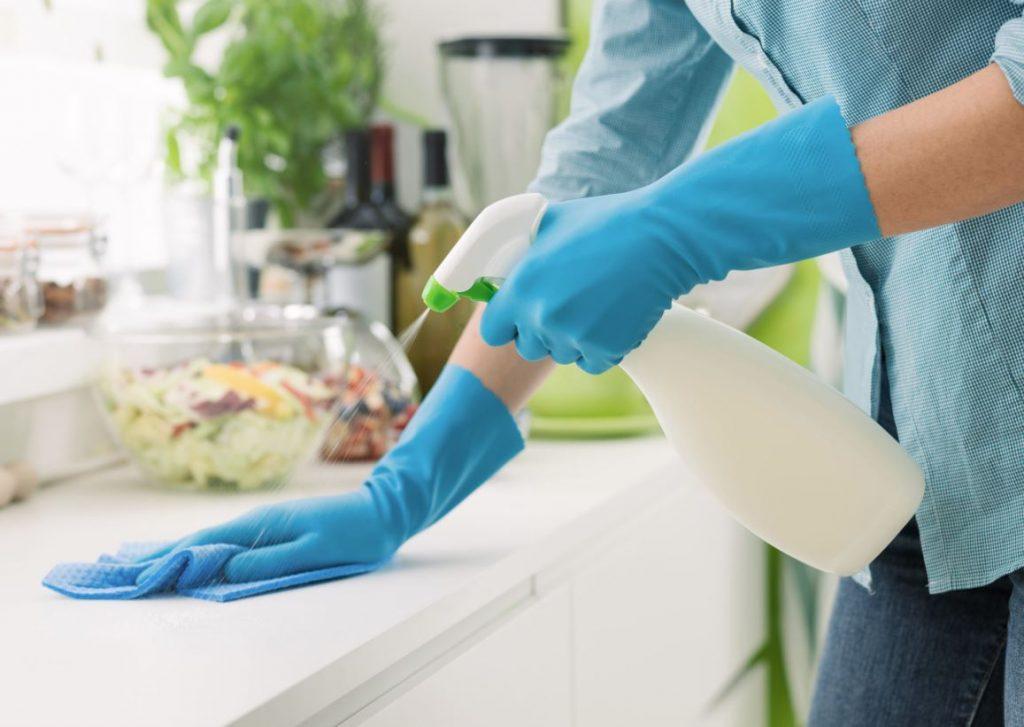 como limpiar menos en el hogar