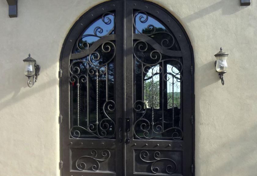 como limpiar una puerta de hierro