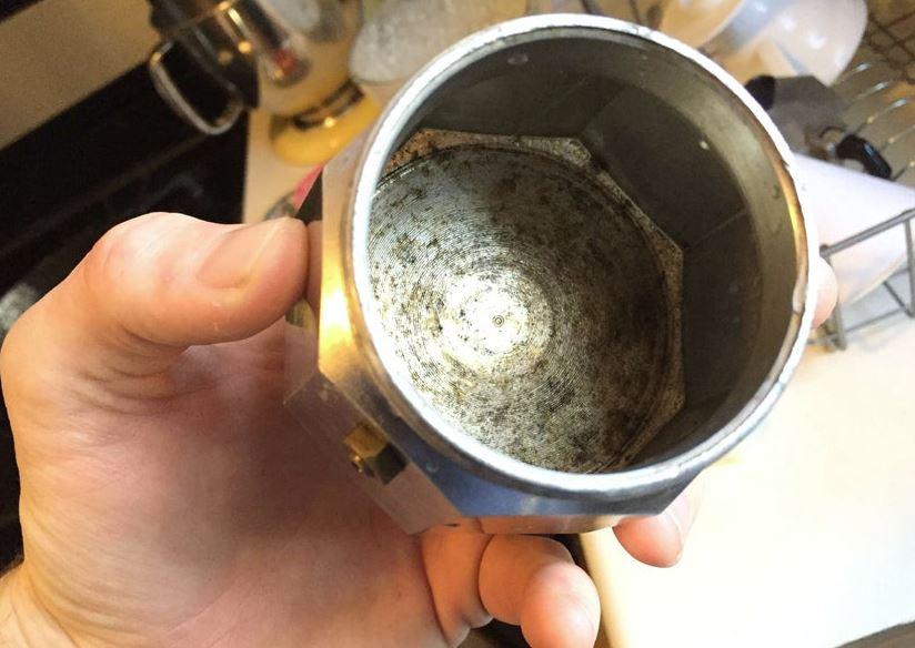 limpiar valvula cafetera italiana