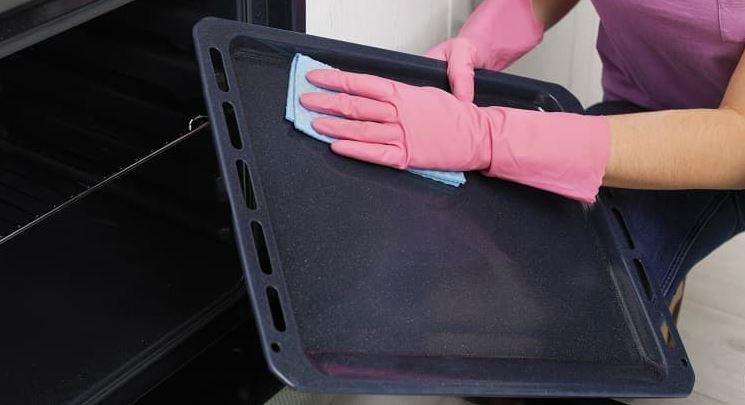 Como limpiar una bandeja de horno de aluminio