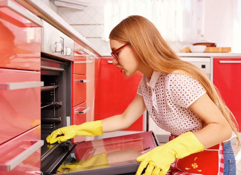 como limpiar el horno a fondo
