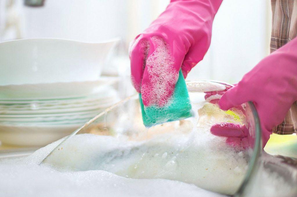 hacer jabon para lavar platos a mano