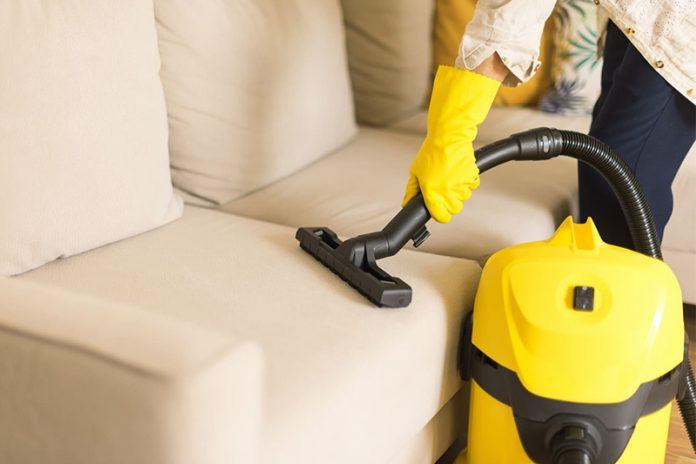 limpiar un sofá de antelina