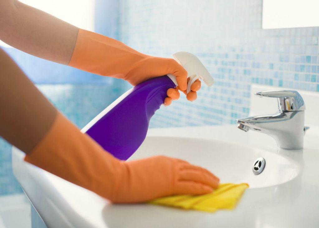 como desinfectar el baño con lejia