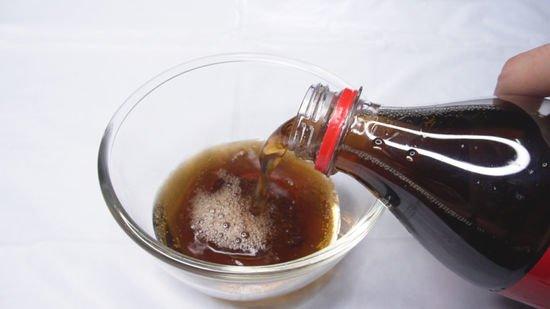 limpiar baño con coca cola