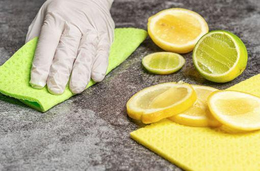 limpiar baño con limon