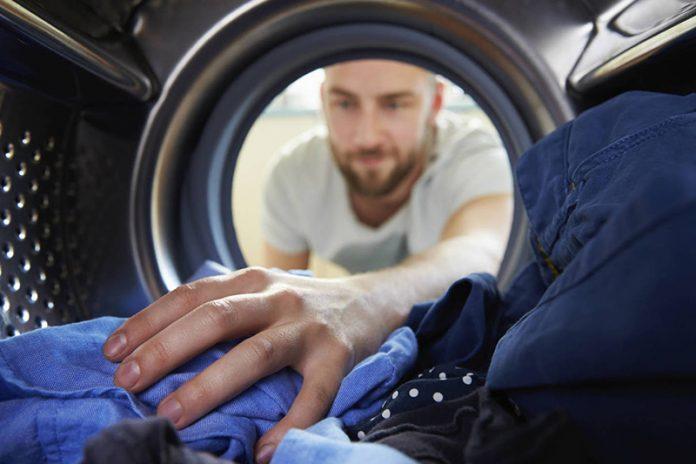 limpiar lavadora que mancha la ropa