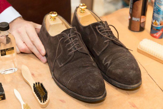 limpiar zapatos de serraje