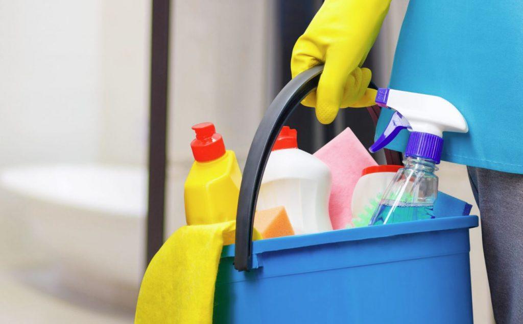 limpieza del baño paso a paso