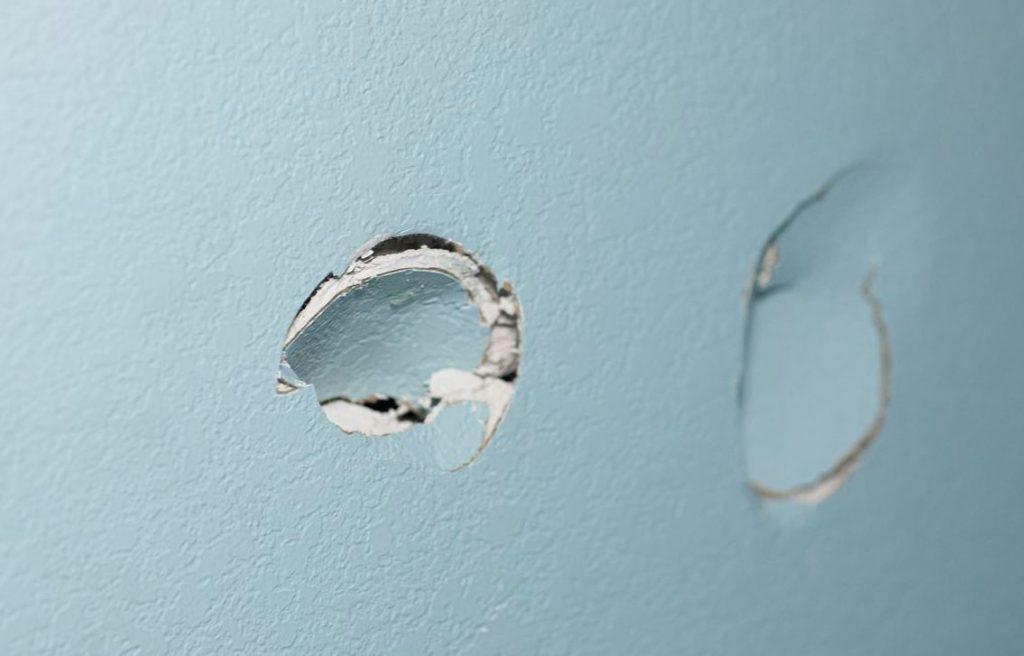 cómo tapar agujeros de pared