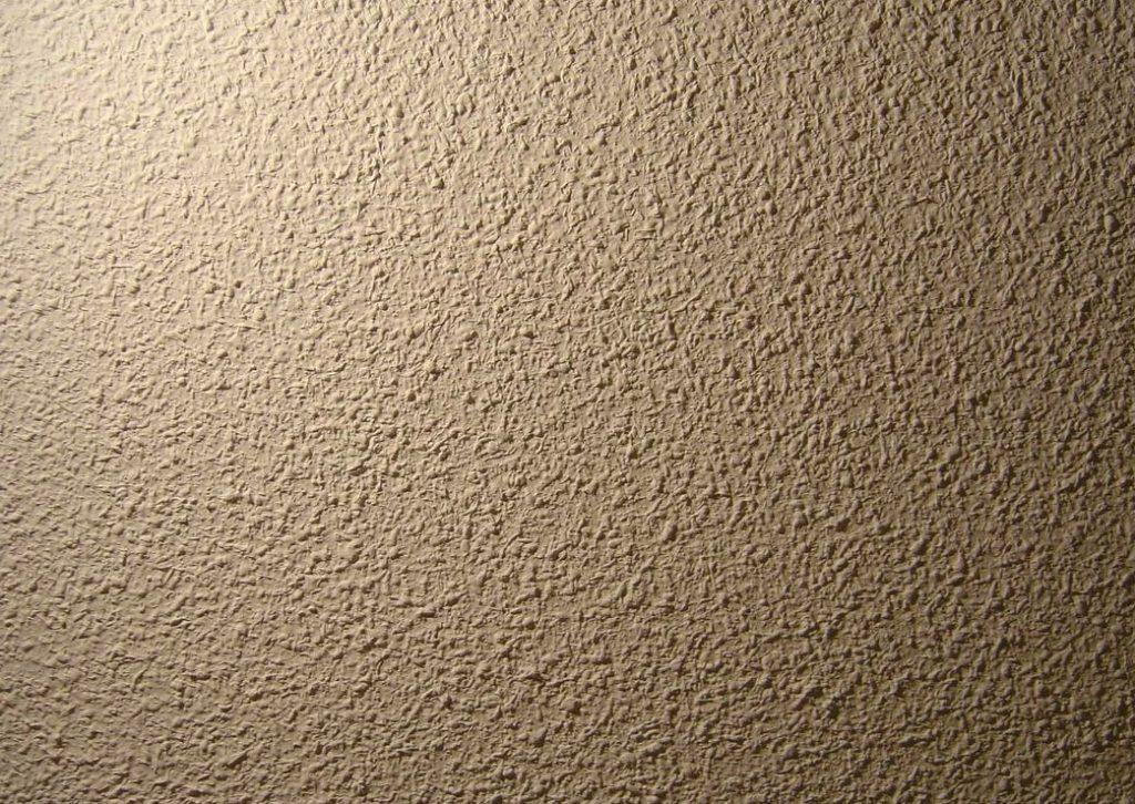 como alisar paredes
