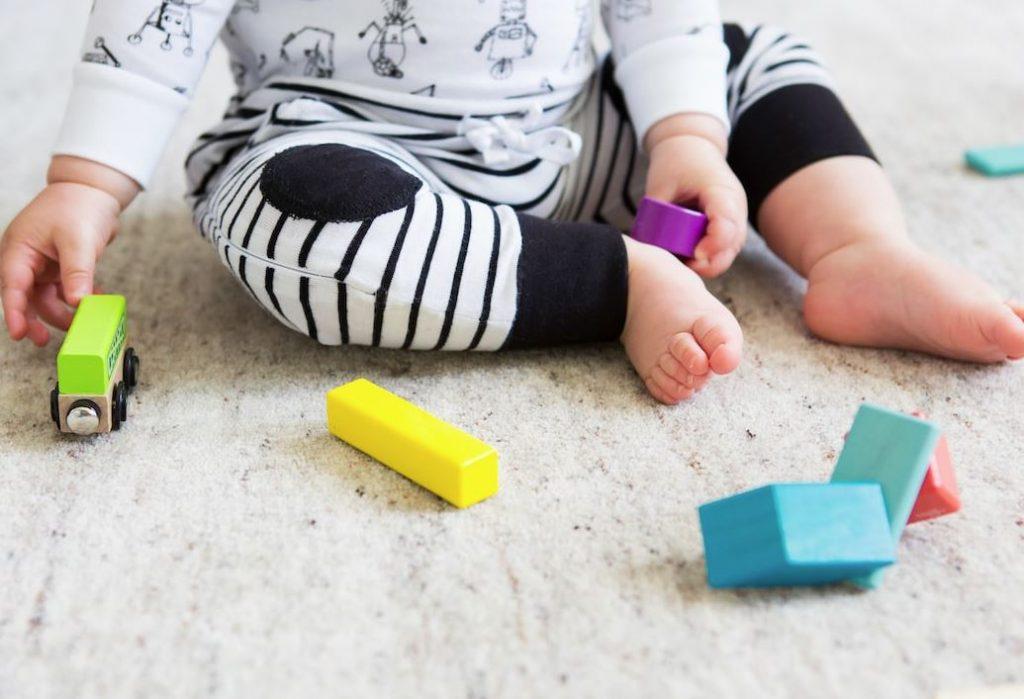 como limpiar juguetes de madera