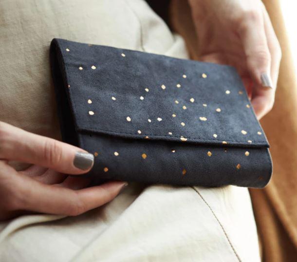 como limpiar una billetera de gamuza
