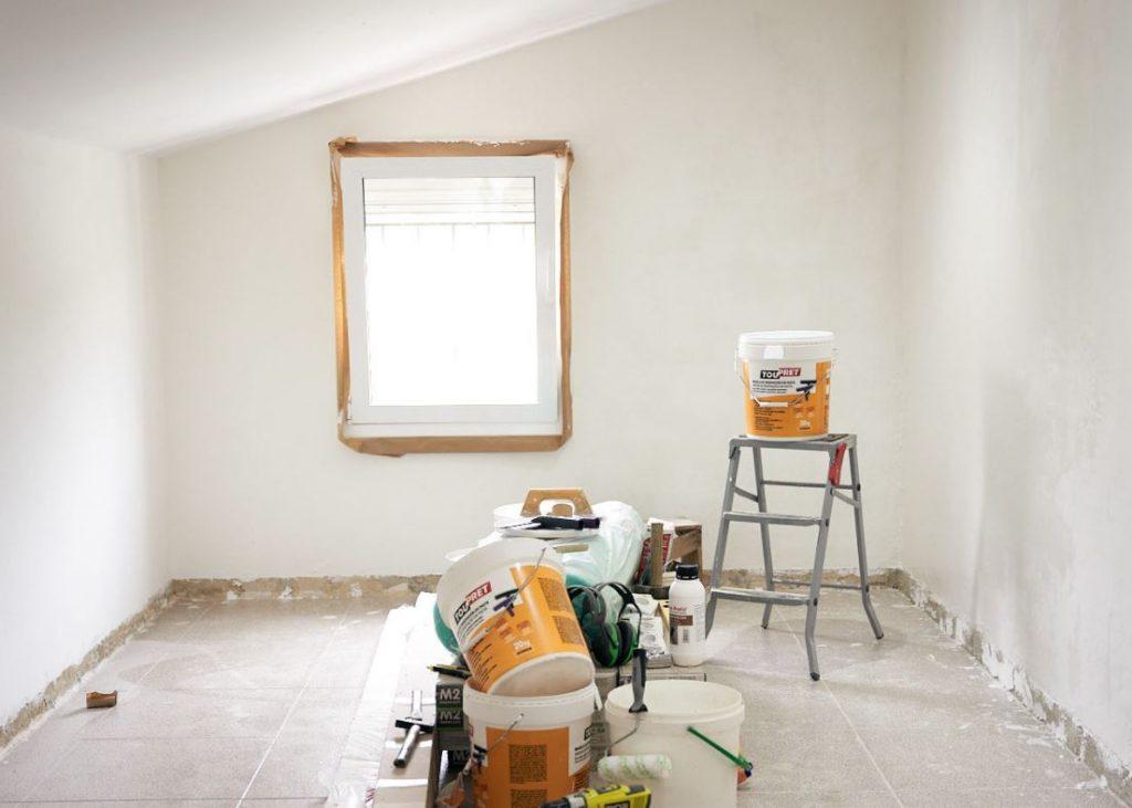 como pintar paredes con gotele
