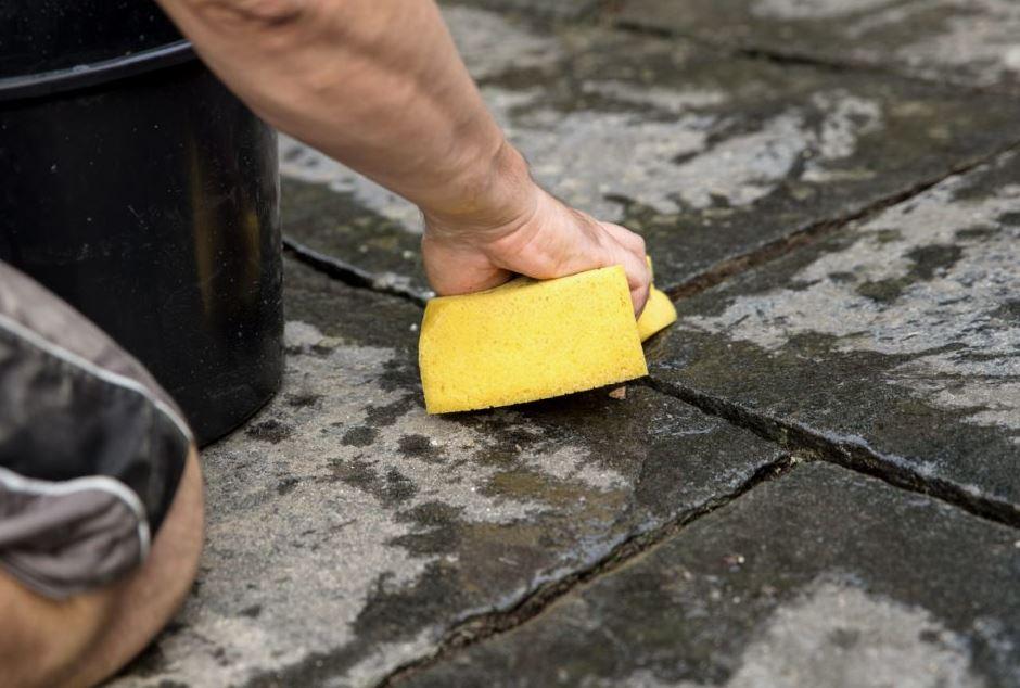 limpiar baldosas patio