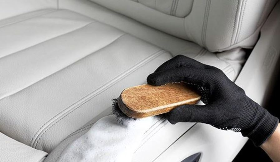 limpiar barro tapiceria coche