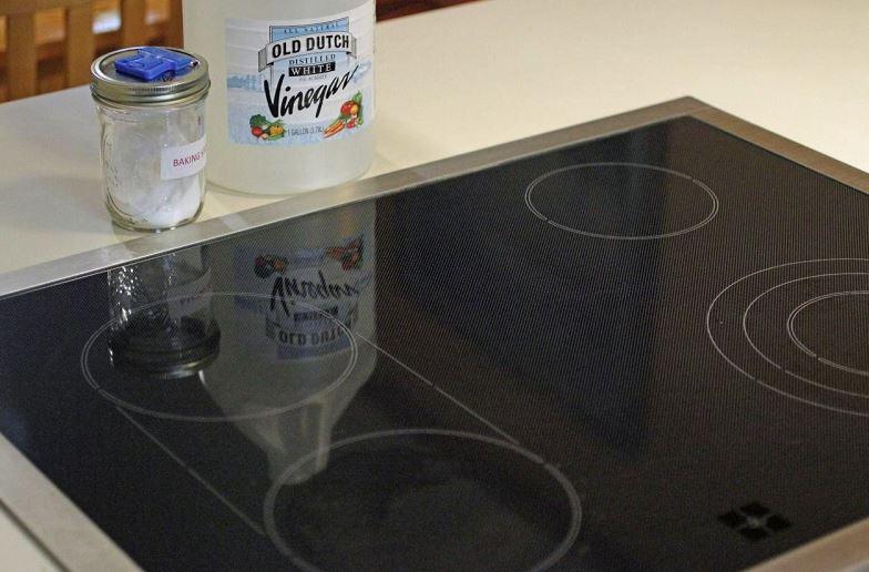 limpiar la vitroceramica con vinagre o bicarbonato de sodio