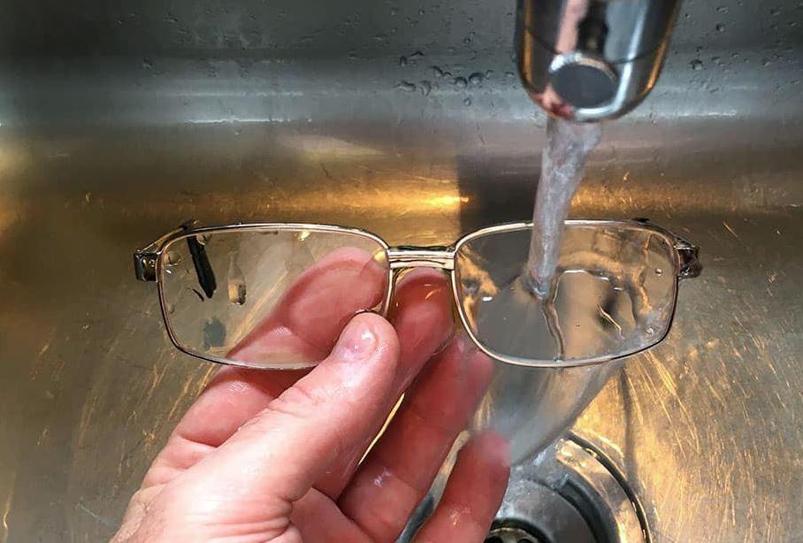 limpieza almohadilla gafas