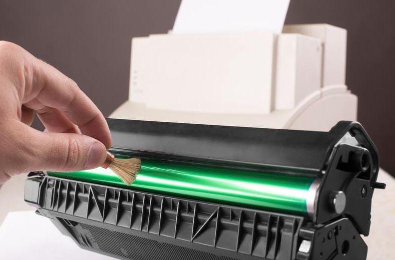 limpieza interna de una impresora