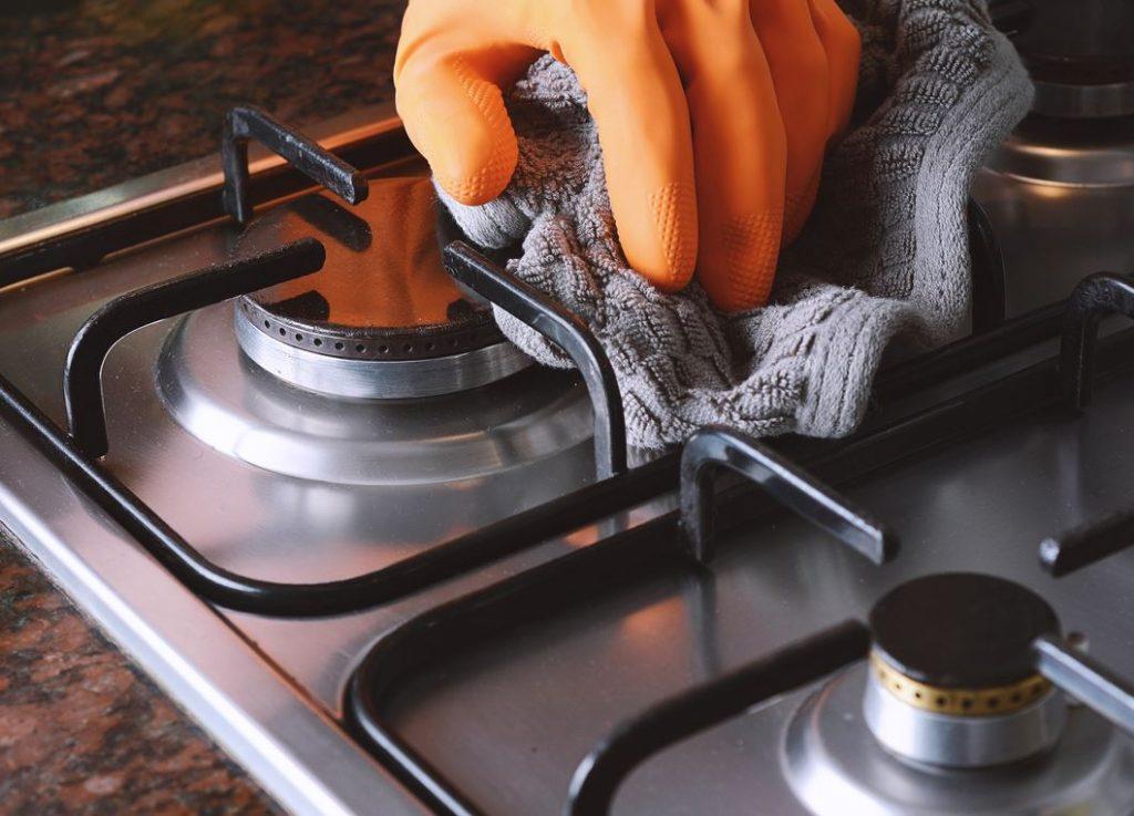 truco para limpiar los quemadores de una cocina de gas